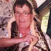 Συγχωριανός «Ηρακλής» παίζει με τα φίδια