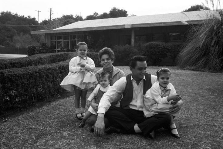 Johnny Cash Daughters Today Horns+up+rocks+johnny+cash+ ...