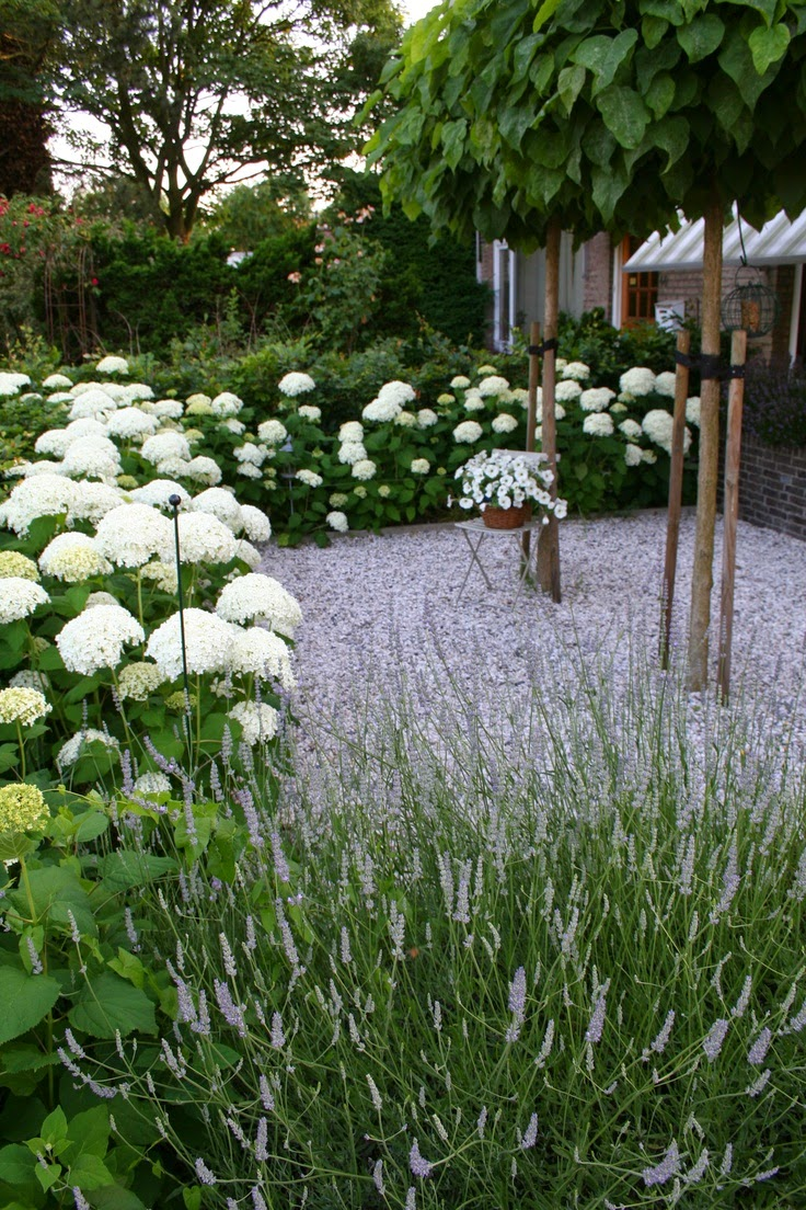 Formal vs rustique spotting the difference landscape for Garden design vs landscape architecture
