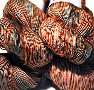 http://laine-et-plus.com/produit/sw-merinos-sock-hoouiii/