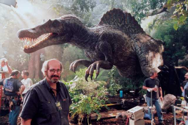 Paleontologist To Re-create A Real Dinosaur Within 10 Years