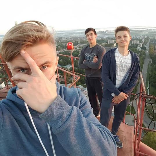 17 year old Russian boy who falls to his death taking the extreme selfie!  4