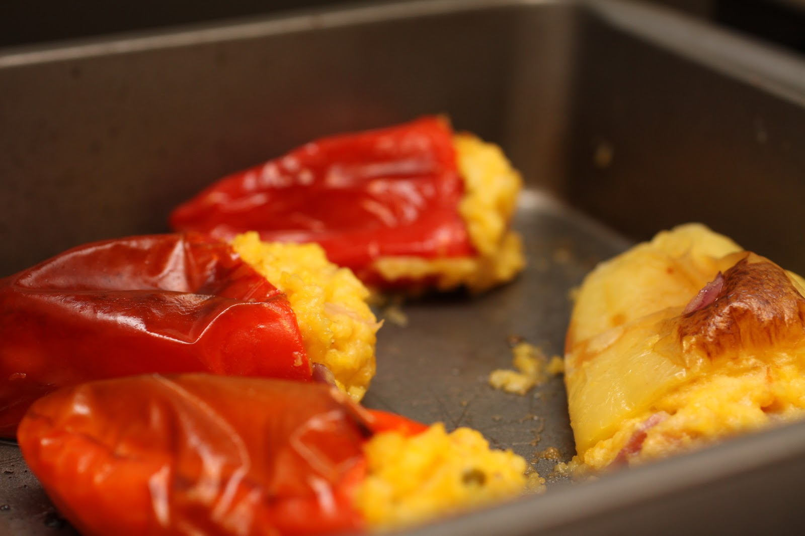 Cheddar jalapeno polenta stuffed peppers :: Plate and Pour