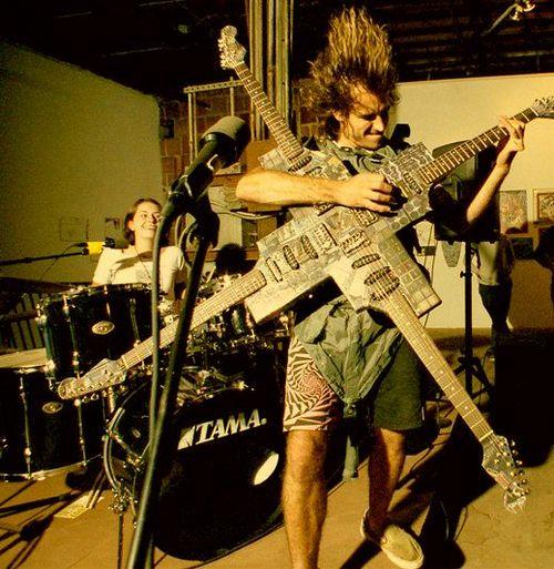 Crazy-Guitar-509.jpg
