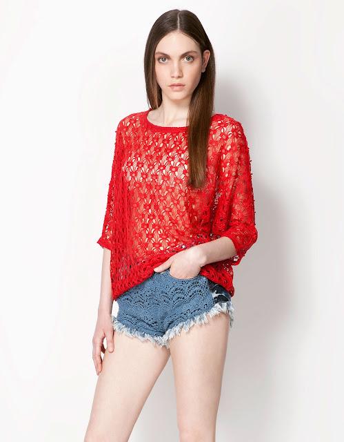dantelli, örme bluz, kırmızı bluz, dantelli kısa şort modeli mavi renk uçları beyaz