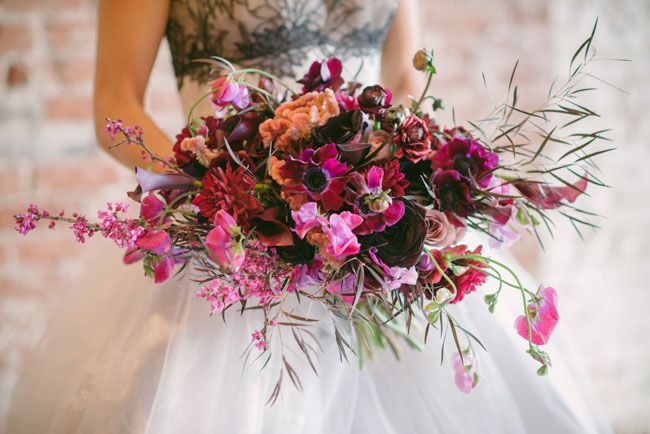 http://greenweddingshoes.com/galleries/bouquets/page/2/