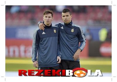 REZEKIBOLA.COM | AGEN BOLA, AGEN CASINO, AGEN TOGEL ONLINE INDONESIA TERPERCAYA - Aguero kepada Messi: Tenang, Gol Akan Datang