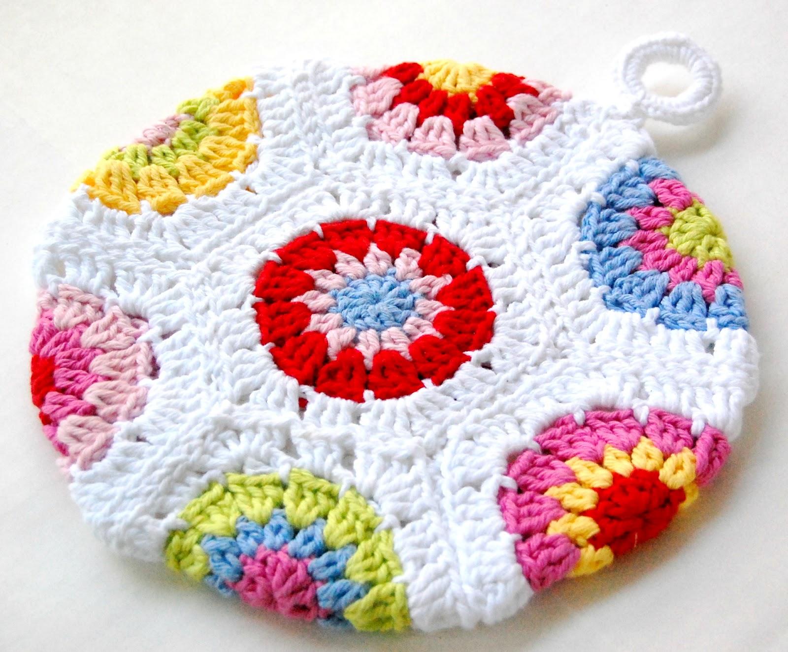 Free Crochet Pattern Dress Potholder : hopscotch lane: Two Potholders