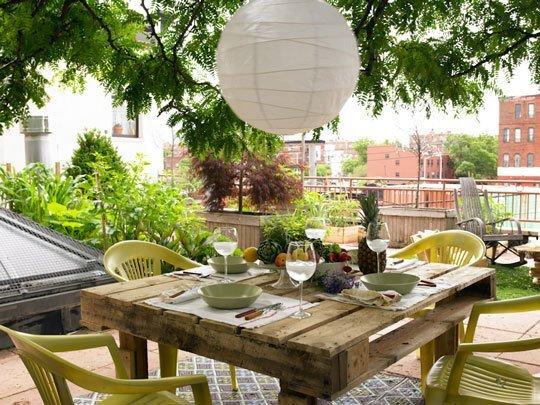 nos han ayudado a crear sillas mesas y jardineras todo un alarde de creatividad con un resultado que permite disfrutar al mximo de un espacio al aire