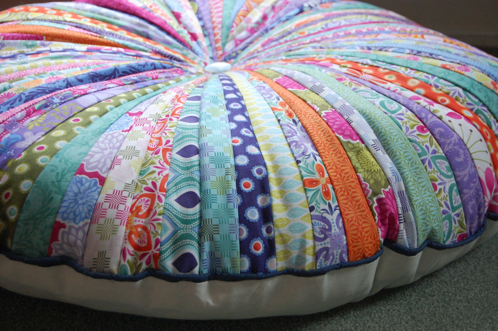 Creating Paper Dreams: Jelly roll floor pillow