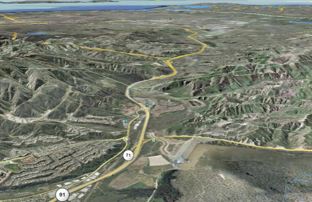 Bild 2 3d vy över santa ana canyon ungefär öst västlig riktning
