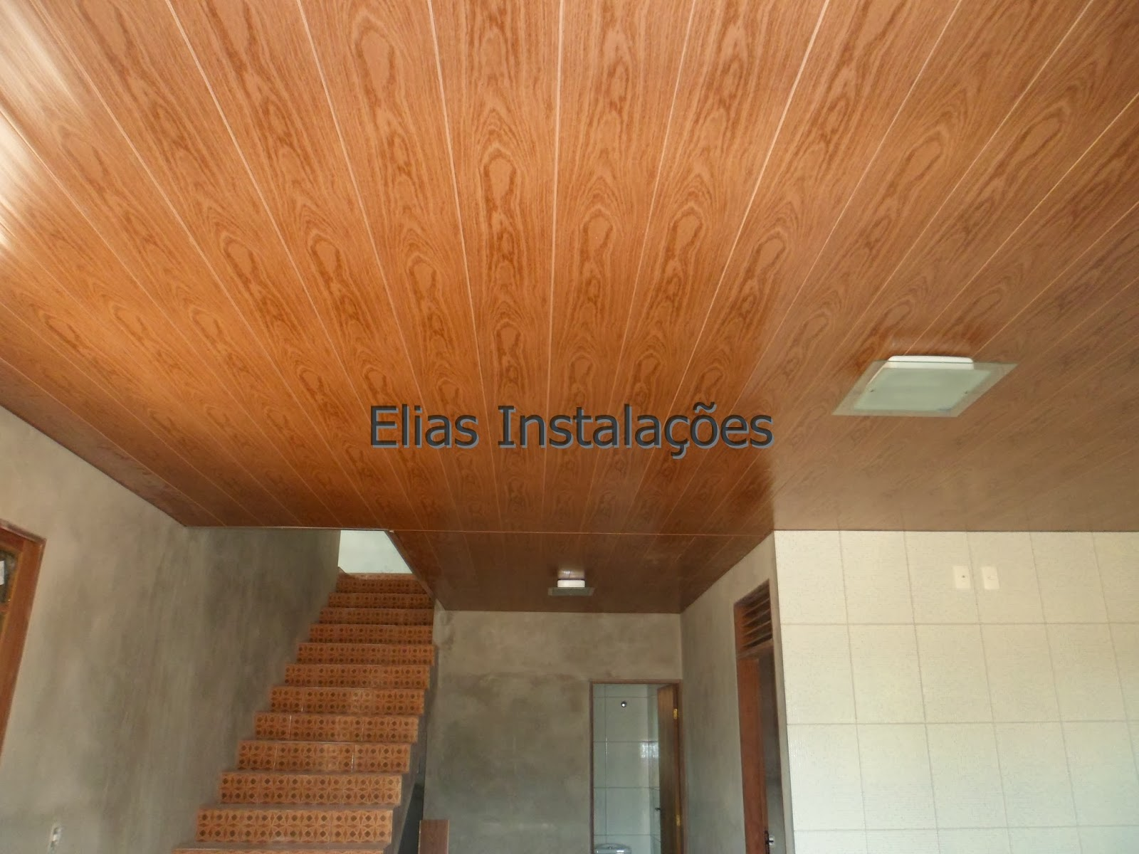 #754522 madeira na cor nogueira. No total existem 3 tons do PVC cor de madeira  606 Janelas Em Pvc Cor Madeira