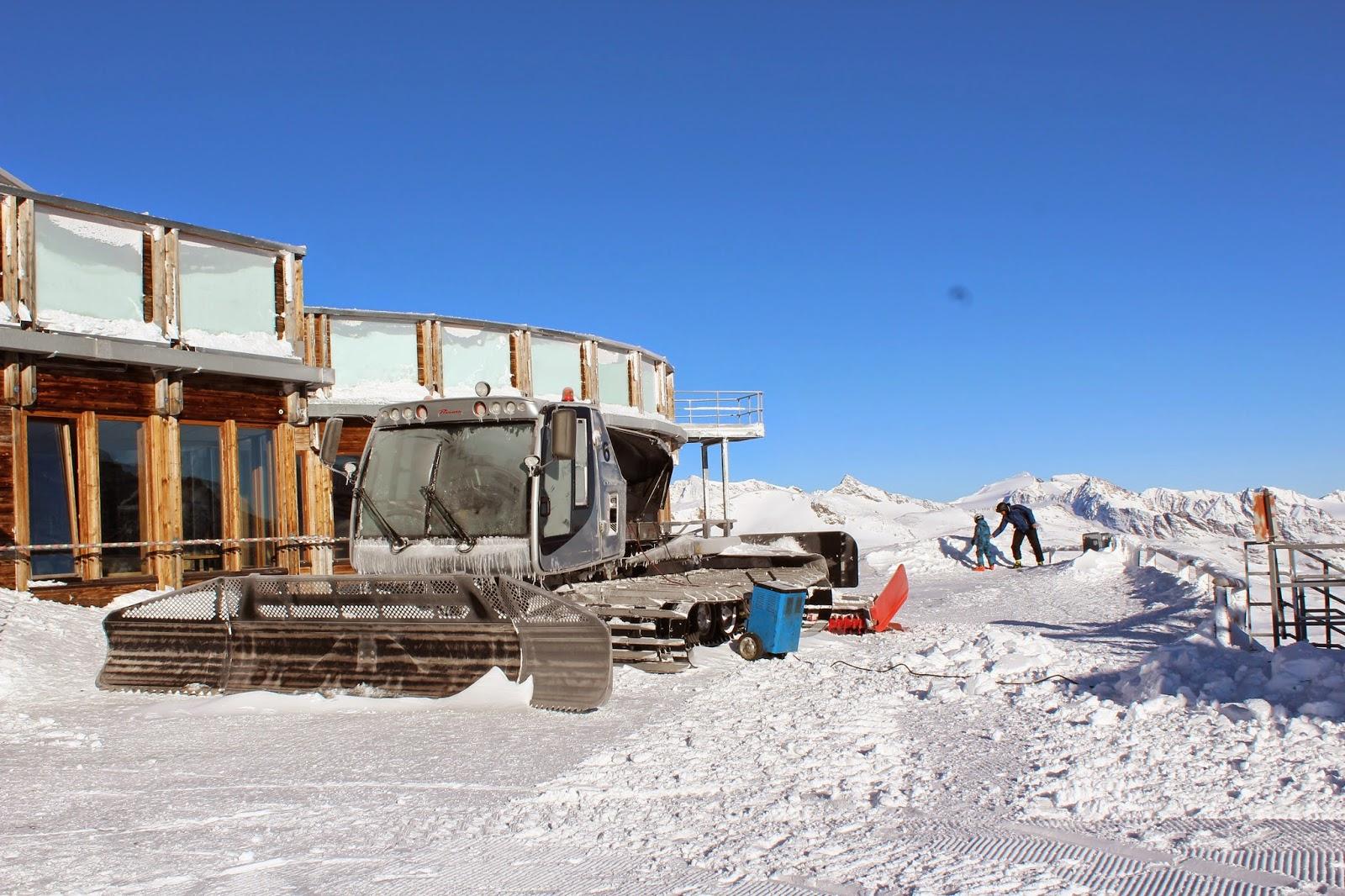ratrak, grawand italy, snow, śnieg we Włoszech, szczyt lodowca, piekne widoki zima