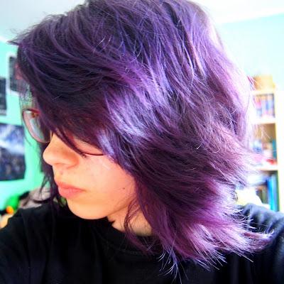 Kolorowe włosy, brak weny - żyję.