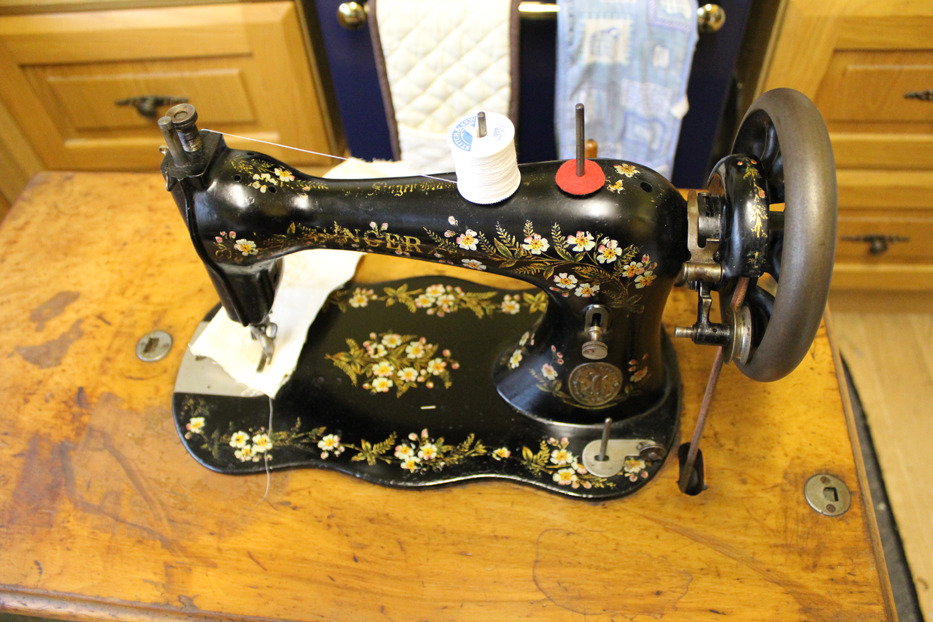 The Balancing Kiwi My Vintage Singer Sewing Machine Collection Extraordinary Lotus Singer Sewing Machine