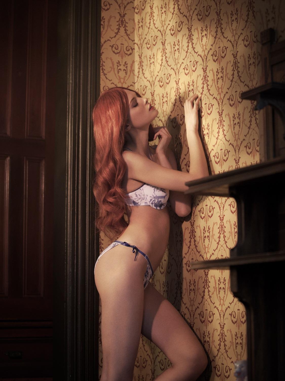 http://2.bp.blogspot.com/-Sde7DyE3OLQ/T12jS9zrO9I/AAAAAAAAEYQ/vz60E3854dY/s1600/Elena+Melnik+Sensual+Nude+Body+For+WestEast+Winter+2012+www.GutterUncensoredPlus.com+003.jpg