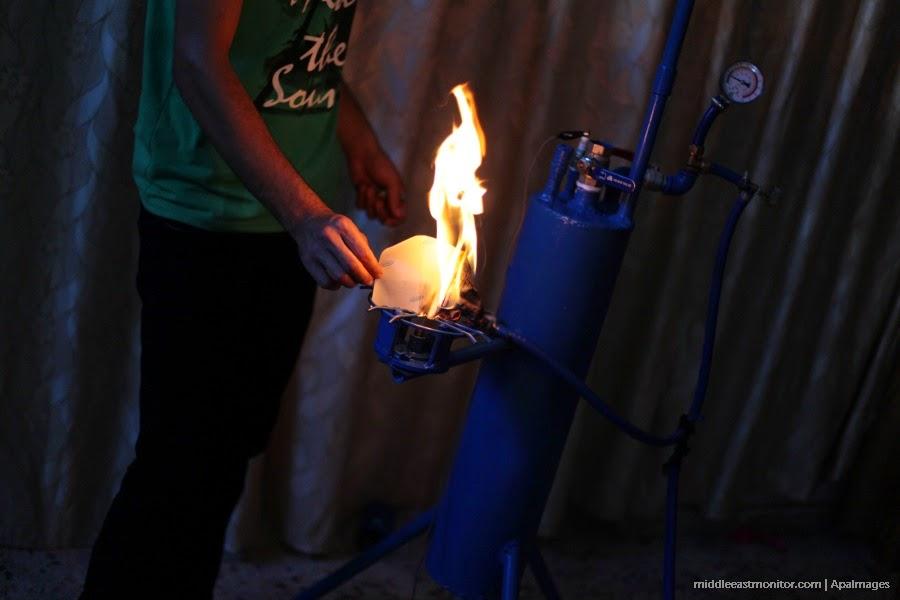 Remaja Gaza Menjana Elektrik Dan Gas Memasak Menggunakan Air
