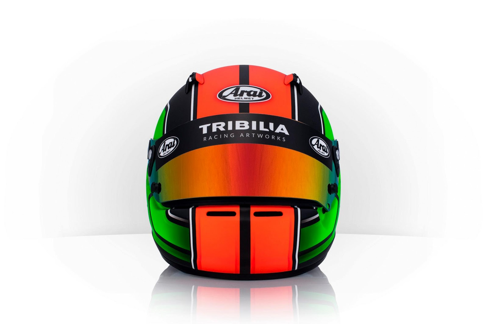 Racing helmets garage arai sk 5 k leesma 2013 by tribilia for Helm design