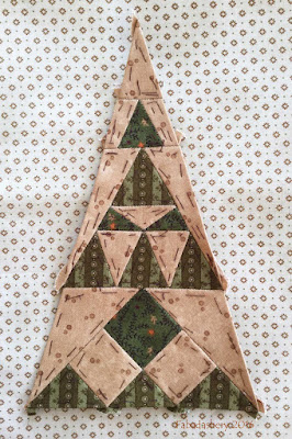 Dear Jane Quilt - Border Triangle Block  RR9 Danish Delight