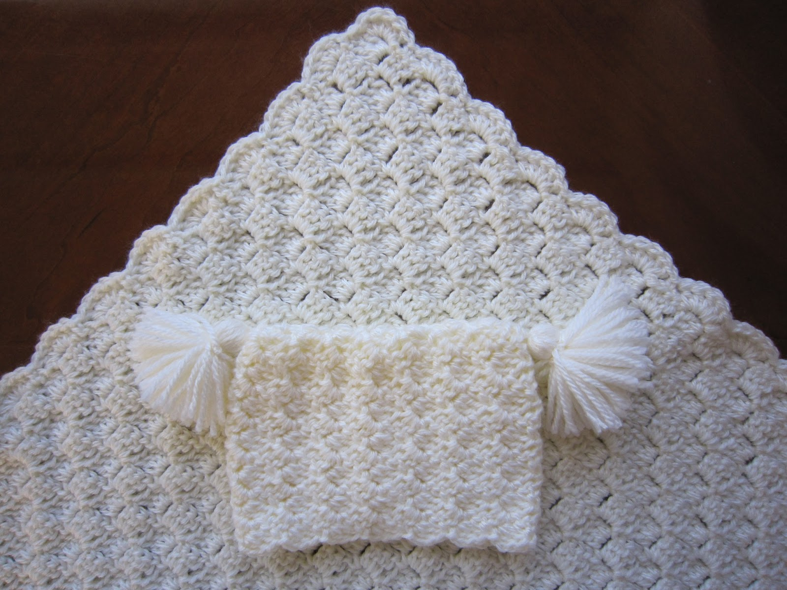 Free Crochet Patterns For Baby Pram Blankets : Sea Trail Grandmas: FREE CROCHET PREEMIE AND NEWBORN ...