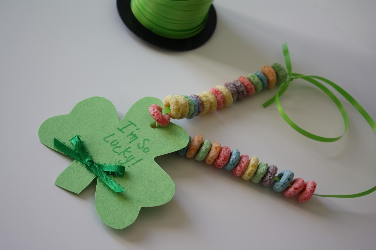 Quick shamrock toddler craft making life blissful for Quick crafts for kids