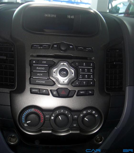 Nova Ranger XLS Flex Cabine Dupla 2013 - interior