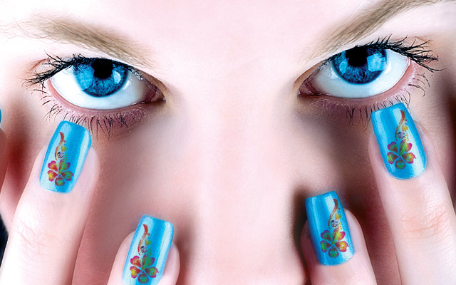 Blue Nail Art with Flowers