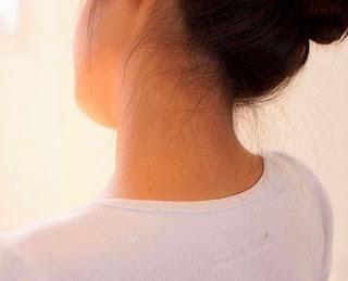 Cara Ampuh Memutihkan Leher Yang Hitam Secara Alami