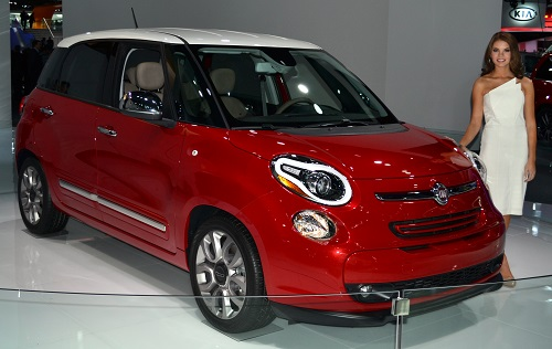 Samantha Skowronek with the Fiat 500L Lounge