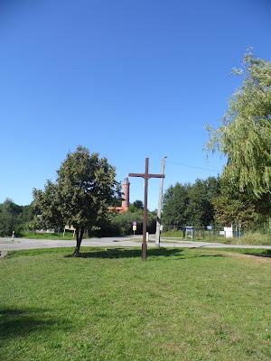 Centrum Gąsek - Krzyż i widok na latarnię morską