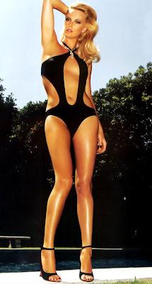 http://2.bp.blogspot.com/-SevutaSA9-I/T4XrKFgaDAI/AAAAAAAAFKQ/Ykrc5rwImhM/s400/Charlize_Theron-in+a-Super-Hot-Bikini.jpg