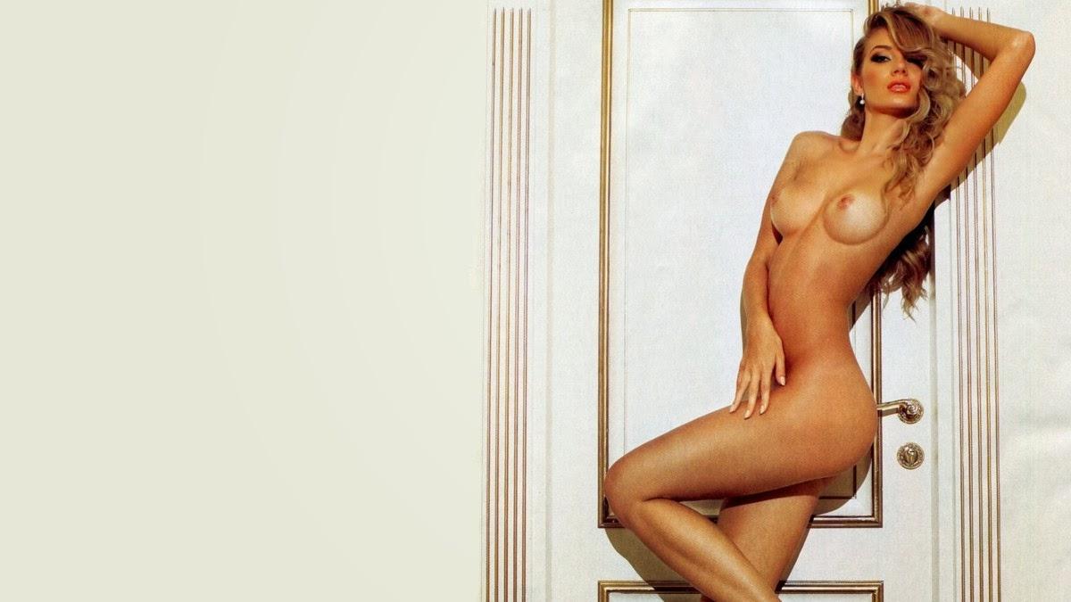 Nicole Novotna Nude Pictures 57