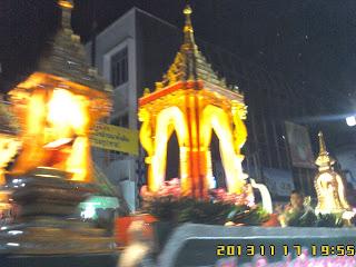 2013NOV16-21-Kevin Kawai on ChiangMai Tour By Local ChiangMai Tour Guide