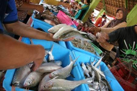 Bad weather, the price of fish in Kediri rise