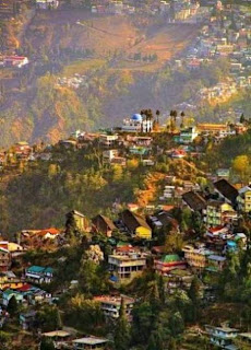 Darjeeling (Best Honeymoon Destinations In India) 1