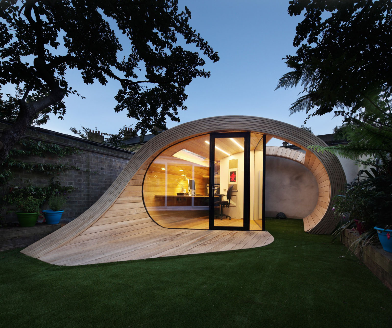 This Unique Timber Elliptical Shell Is A Lightweight U201cShofficeu201d (shed +  Office) Located In The Backyard Of A 1950u0027s Terraced House In St Johnu0027s  Wood, ...