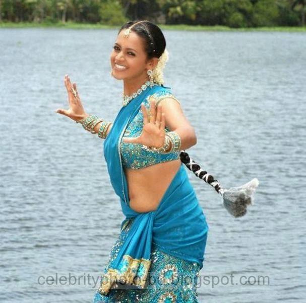 South%2BIndian%2BActress%2BLow%2BHip%2BSaree%2BPhotos Actress%2BWear%2BSaree%2BUnder%2BNavel%2BPhotos011