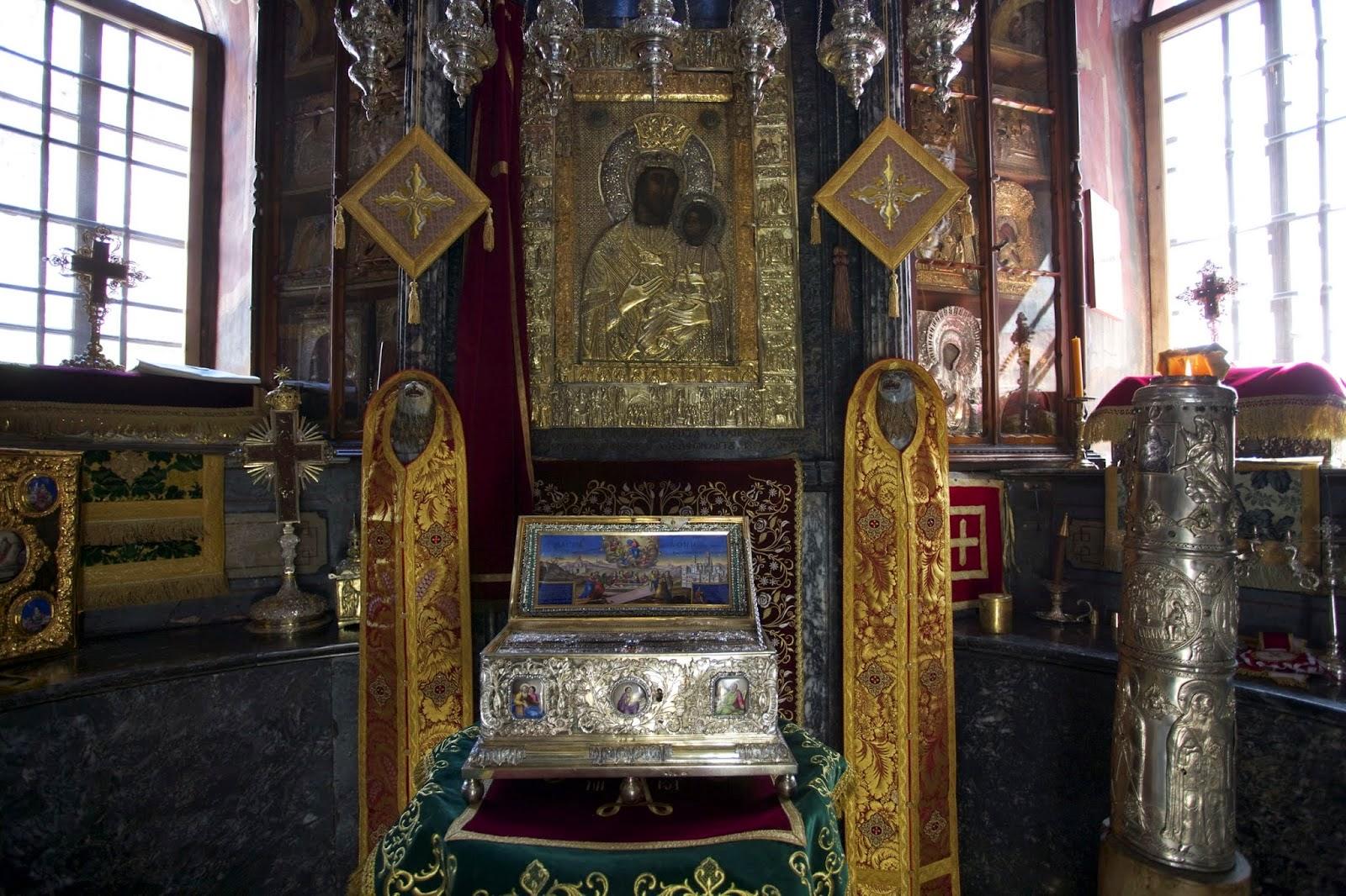 Αποστολές της Αγίας Ζώνης της Θεοτόκου στη Θάσο http://leipsanothiki.blogspot.be/
