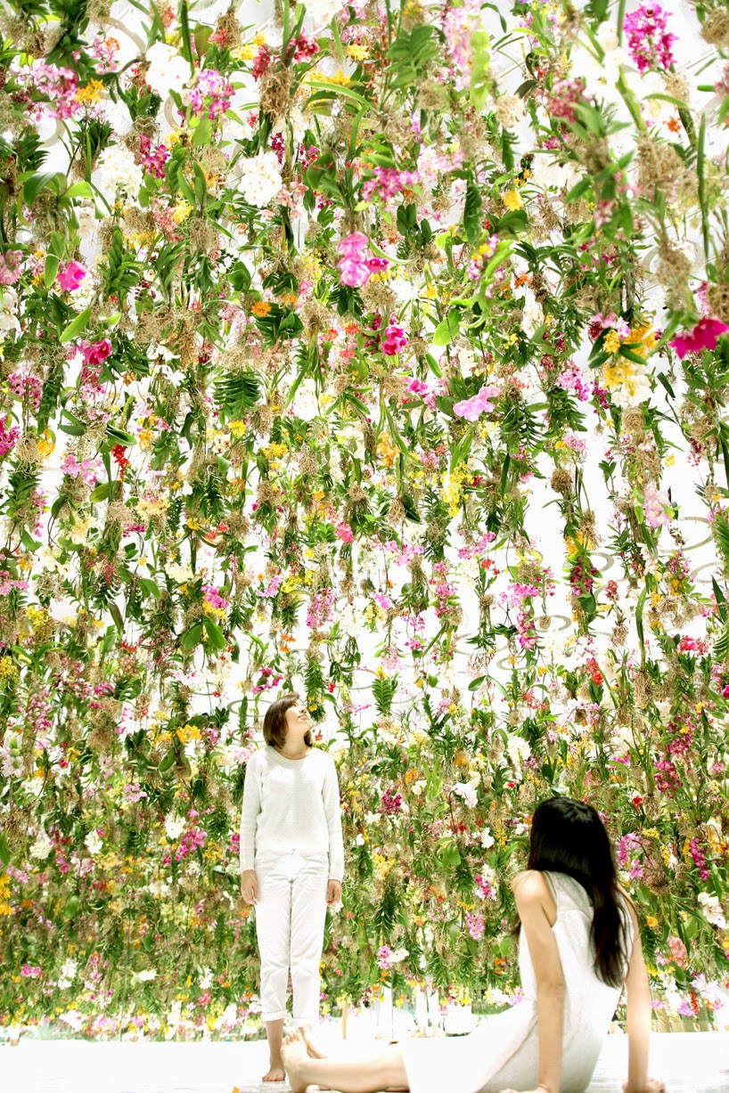 floating flower garden teamlab-2