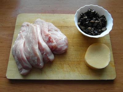 kieszonki z kurczaka faszerowane pieczarkami i serem żółtym - składniki