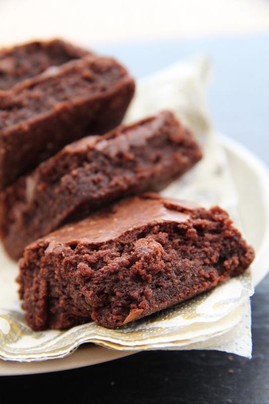 Brownies migdałowe na białkach