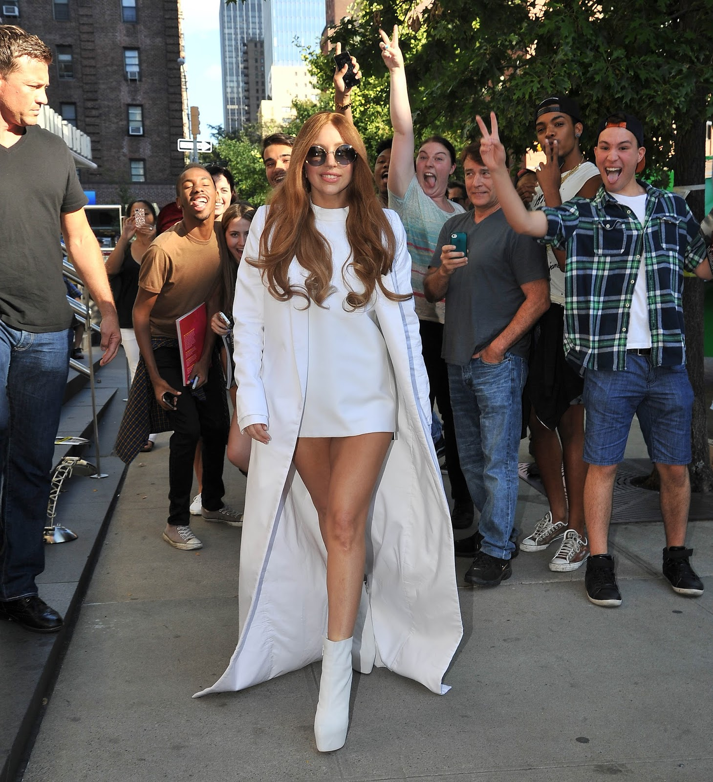 6bd0423e4eb Lady Gaga Spotted Heading to a Studio in NYC - Little Monsters Official