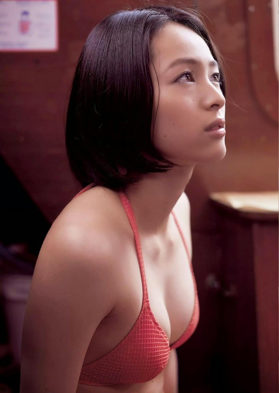 Seino Nana 清野菜名 Weekly Playboy July 2014 Photos 3