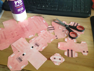 Printable minecraft pig papercraft cutout