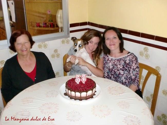 familia con tarta