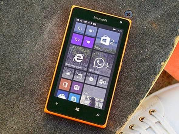 Smartphone básico Lumia 435 da Microsoft
