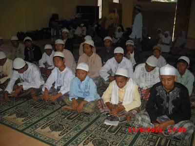 Tuntunan Agama - Kegiatan Pengajian Anak Asuh YABNI