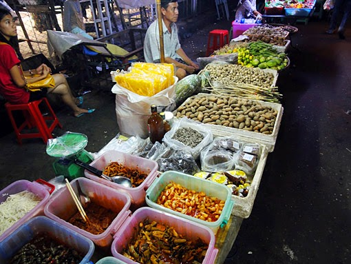 Yangon night market
