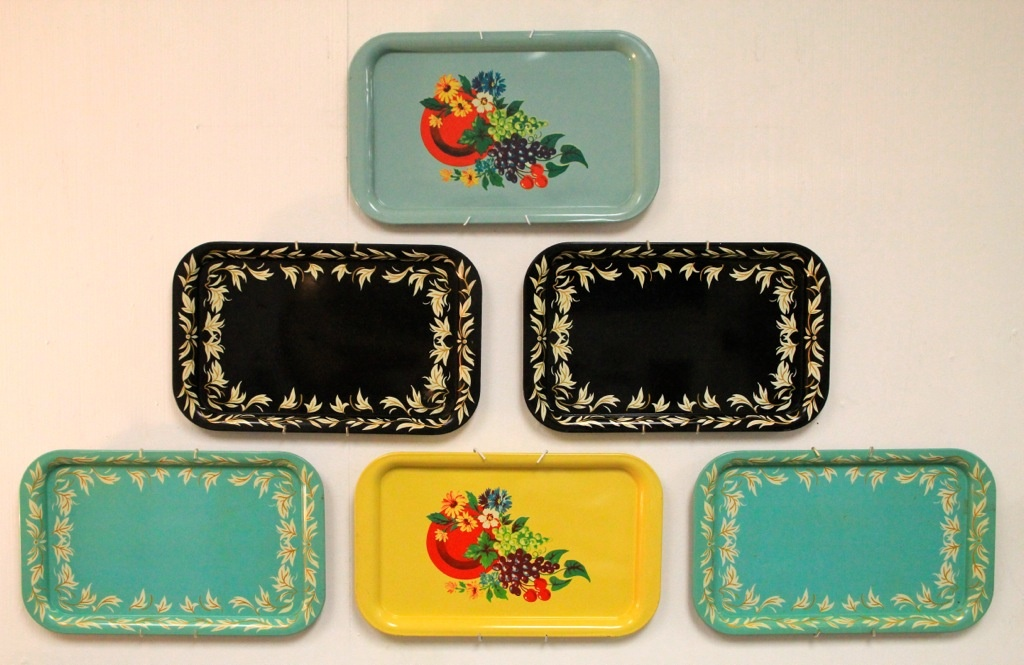 Modern life of a vintage housewife how to decorate with for Plates to decorate