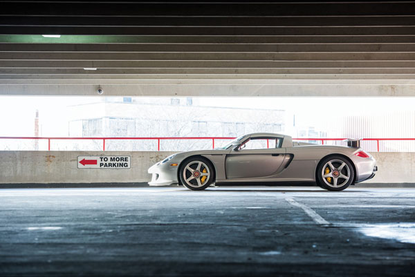 Porsche Carrera GT Goes To Auctions